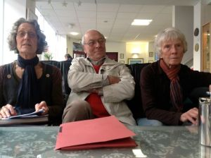 Stasi at The Willow? A rose between two thorns? Captured for sure, on Jim's new ipad!